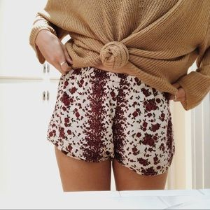 🍂🌻Brandy Melville Flowy and Flowery Shorts🌻🍂